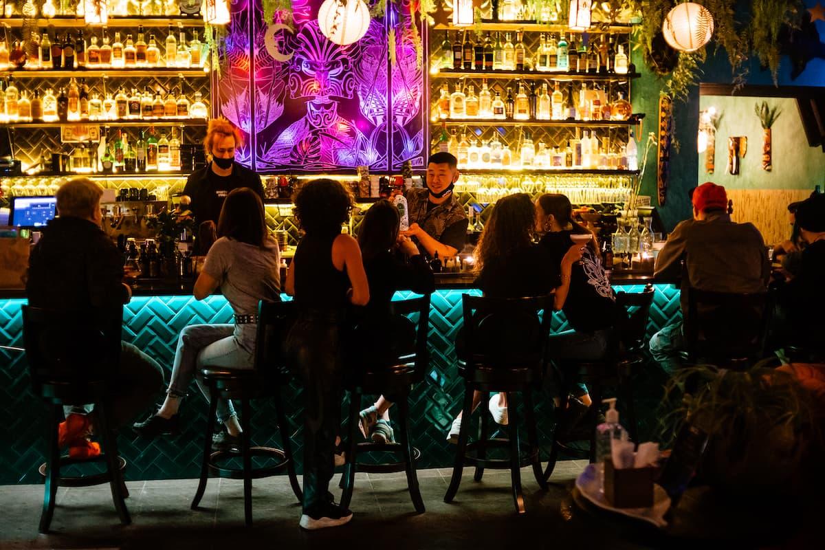 Idol Bar